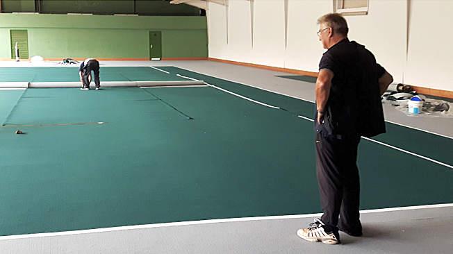 Fußbodenerneuerung der kleinen Halle
