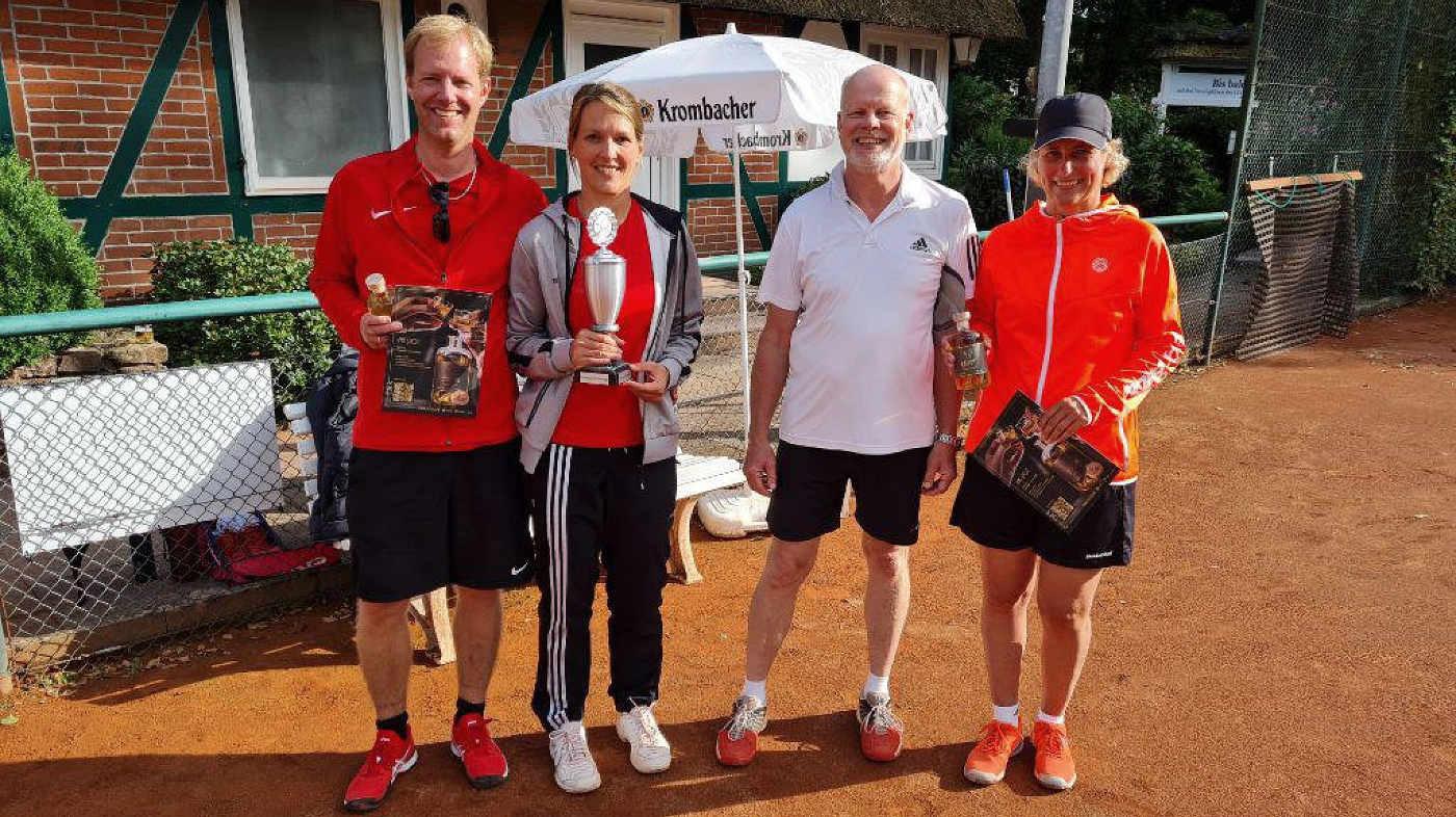 Finalisten Hobbyrunde: v.l. Marina u. Gerrit Schmechel, Sönke Petersen/Bengta Reich